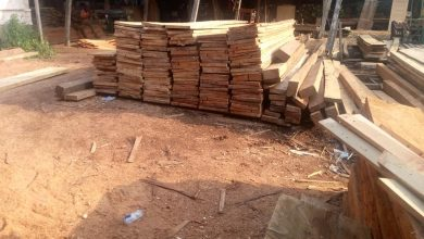 WOOD WORKERS  AT KAWEREKWAANO BEG ASSEMBLY  FOR MORE TIME TO RELOCATE TO ESSAMAN KAKRABA 13